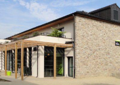 Construction d'un bâtiment à usage commercial et d'habitation